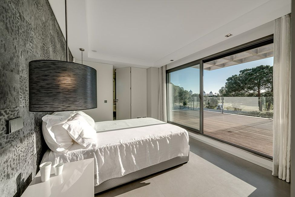 modern_luxury_home_with_pool_-_vilamoura_house_29_20130310_1670478602